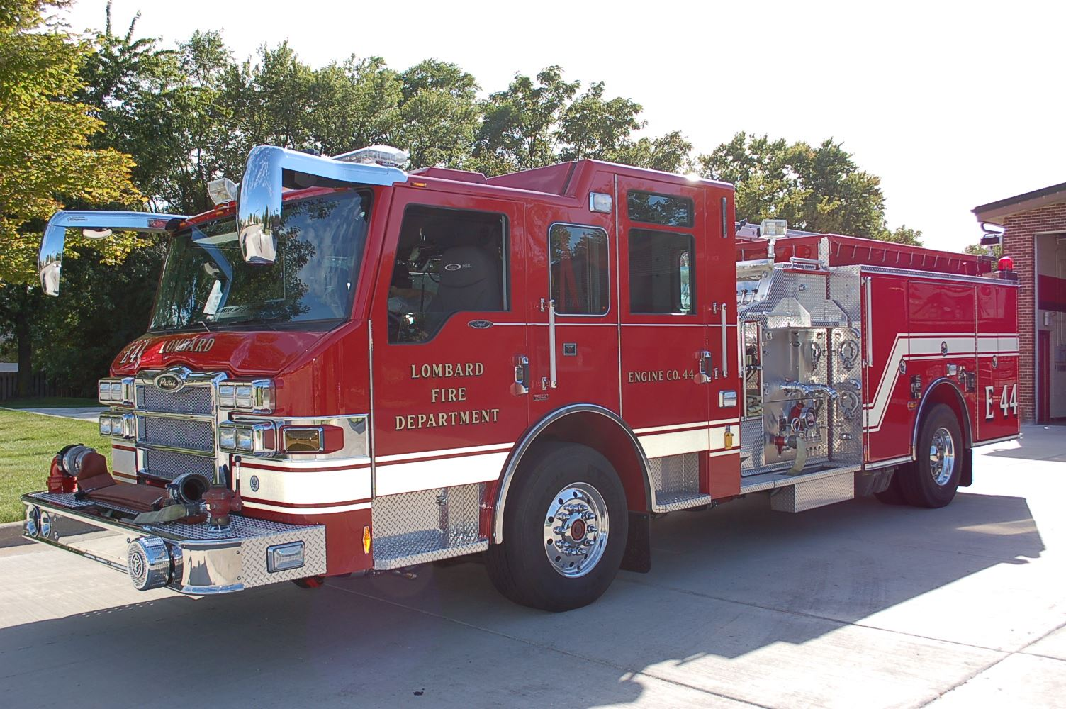 Red Fire Engine 44